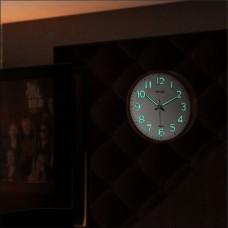 Ahşap Dekor Sessiz Çalışan Kahverengi Çerçeve Fosforlu Gece Görünen Işıldayan Ön Camlı Duvar Saati