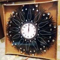 Osmanlı Fas Selçuklu Lale Motifli Desenli Rustik Siyah 55cm Akrilik Taşlı Ön Camlı Pilli Duvar Saati